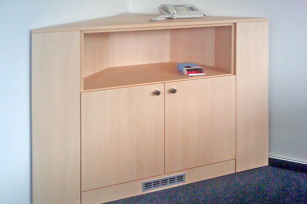Eckschrank für Büro oder Praxis Inneneinrichtung Interhansa