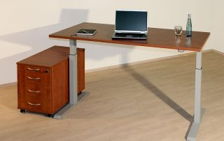 elektrisch höhenverstellbarer Schreibtisch ( Sitz-Steh-Arbeitsplatz )