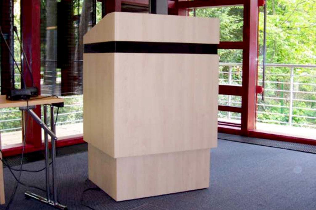 Stehpult für Konferenzräume von Interhansa