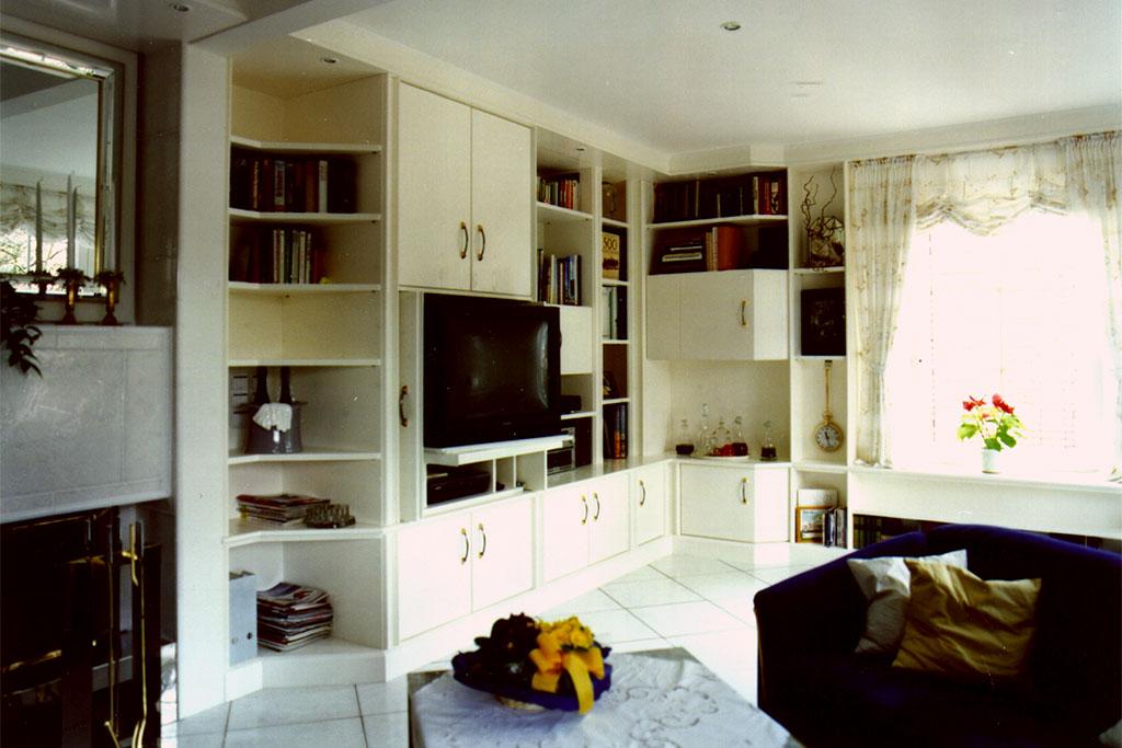 Komplette nach Kundenwunsch erstellte Wohnzimmerwand