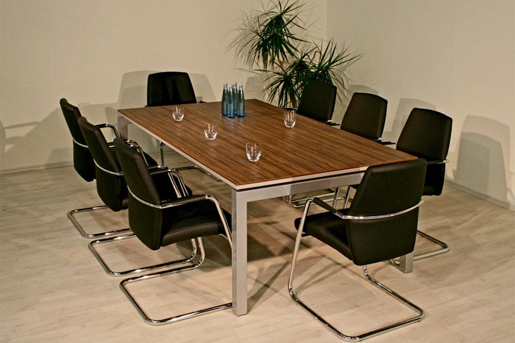 Kubus-Konferenztisch mit 2 lagiger Tischplatte