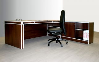 Schreibtische mit Schränken von Interhansa