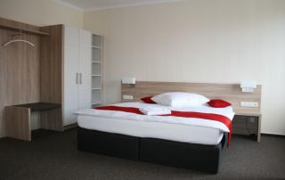 Reha-Ausstattung mit Doppelbett