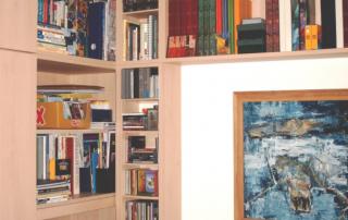 Schranküberbau als Bücherregal